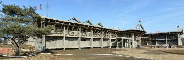 150306 - RS - KIM JONG UN - Marschall KIM JONG UN besichtigte die Baustelle des Altersheims der Stadt Pyongyang - 07 - 경애하는 김정은동지께서 평양시양로원건설장을 현지지도하시였다
