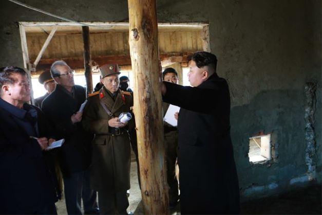 150306 - SK - KIM JONG UN - Marschall KIM JONG UN besichtigte die Baustelle des Altersheims der Stadt Pyongyang - 09 - 경애하는 김정은동지께서 평양시양로원건설장을 현지지도하시였다