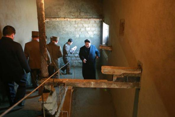 150306 - SK - KIM JONG UN - Marschall KIM JONG UN besichtigte die Baustelle des Altersheims der Stadt Pyongyang - 10 - 경애하는 김정은동지께서 평양시양로원건설장을 현지지도하시였다