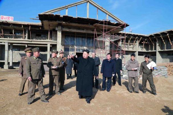 150306 - SK - KIM JONG UN - Marschall KIM JONG UN besichtigte die Baustelle des Altersheims der Stadt Pyongyang - 11 - 경애하는 김정은동지께서 평양시양로원건설장을 현지지도하시였다