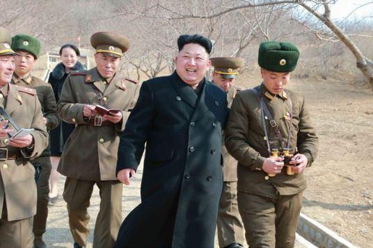 150312 - SK - KIM JONG UN - Inspektion einer Inselverteidigungskompanie durch Marschall KIM JONG UN - 09 - 조선인민군 최고사령관 김정은동지께서 동해안전방초소를 지키고있는 신도방어중대를 시찰하시였다