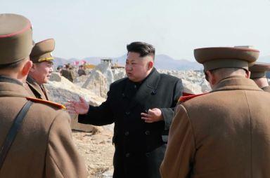 150314 - SK - KIM JONG UN - Marschall KIM JONG UN besuchte den Bauplatz eines Fischfangbetriebes - 06 - 경애하는 김정은동지께서 5월27일수산사업소건설장을 현지지도하시였다