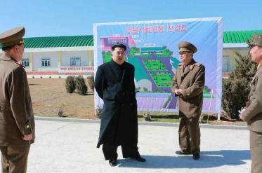150324 - RS - KIM JONG UN - 02 - 경애하는 김정은동지께서 인민군대에서 새로 건설한 어분사료공장을 현지지도하시였다