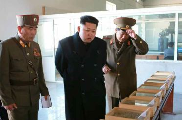 150324 - RS - KIM JONG UN - 03 - 경애하는 김정은동지께서 인민군대에서 새로 건설한 어분사료공장을 현지지도하시였다