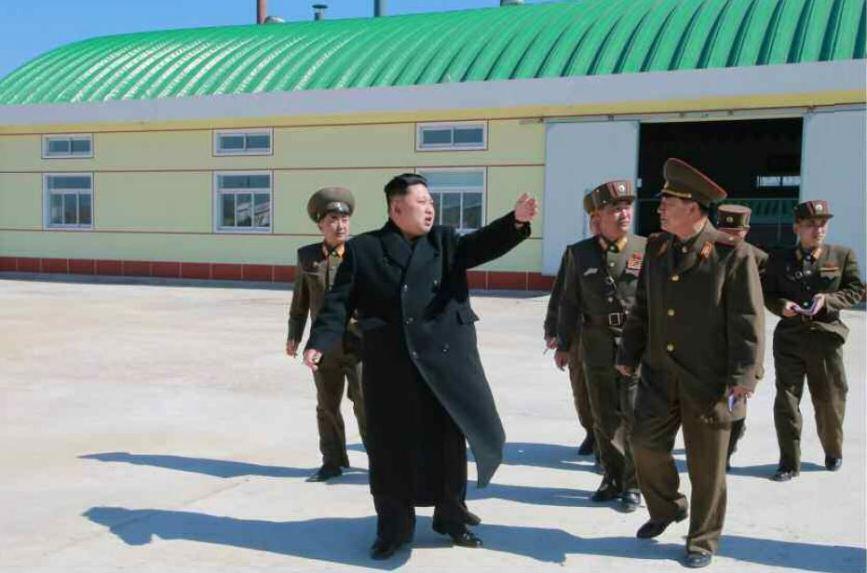 150324 - RS - KIM JONG UN - 04 - 경애하는 김정은동지께서 인민군대에서 새로 건설한 어분사료공장을 현지지도하시였다