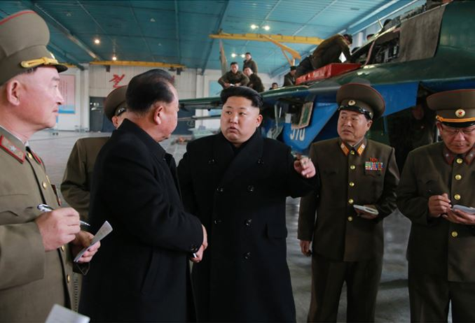 150401 - SK - Marschall KIM JONG UN besichtigte ein Maschinenwerk - 01 - 경애하는 김정은동지께서 전동렬동무가 사업하는 기계공장을 현지지도하시였다