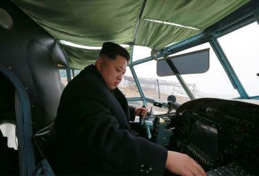 150401 - SK - Marschall KIM JONG UN besichtigte ein Maschinenwerk - 09 - 경애하는 김정은동지께서 전동렬동무가 사업하는 기계공장을 현지지도하시였다