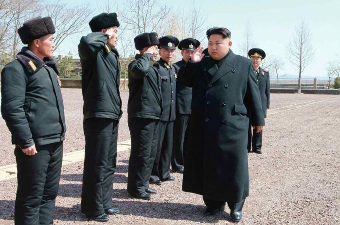 150404 - RS - KIM JONG UN - Marschall KIM JONG UN inspizierte die 164. Truppe der Marine der KVA - 01 - 조선인민군 최고사령관 김정은동지께서 조선인민군 해군 제164군부대를 시찰하시였다