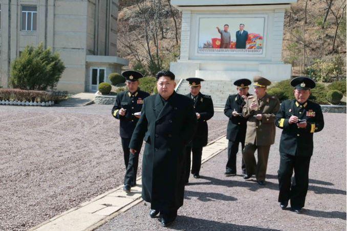 150404 - SK - Marschall KIM JONG UN inspizierte die 164. Truppe der Marine der KVA - 02