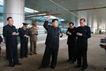 150412 - SK - KIM JONG UN - Marschall KIM JONG UN besuchte die Baustelle des Terminals 2 des Internationalen Flughafens Pyongyang - 10 - 경애하는 김정은동지께서 완공단계에 이른 평양국제비행장 2항공역사건설장을 현지지도하시였다