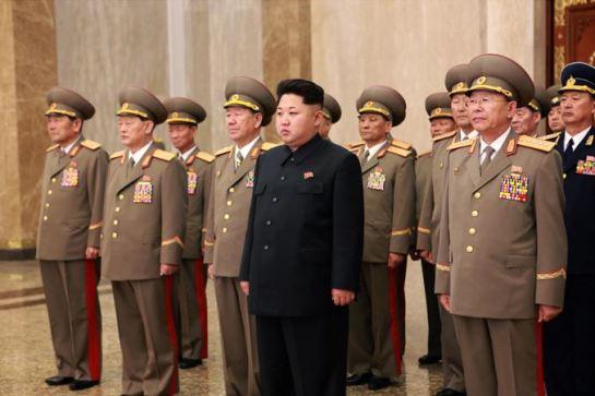 150415 - SK - Marschall KIM JONG UN besuchte zum Tag der Sonne den Sonnenpalast Kumsusan - 01