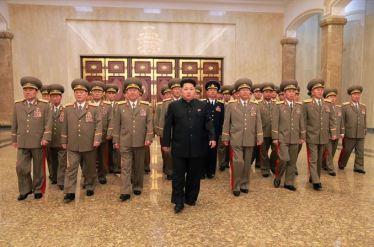 150415 - SK - Marschall KIM JONG UN besuchte zum Tag der Sonne den Sonnenpalast Kumsusan - 04
