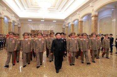 150415 - SK - Marschall KIM JONG UN besuchte zum Tag der Sonne den Sonnenpalast Kumsusan - 05