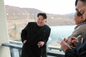 150420 - RS - KIM JONG UN - Marschall KIM JONG UN leitete die Bauarbeiten des Songun-Jugend-Kraftwerkes Paektusan - 02 - 경애하는 김정은동지께서 백두산선군청년발전소건설장을 현지지도하시였다