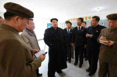150420 - RS - KIM JONG UN - Marschall KIM JONG UN leitete die Bauarbeiten des Songun-Jugend-Kraftwerkes Paektusan - 04 - 경애하는 김정은동지께서 백두산선군청년발전소건설장을 현지지도하시였다