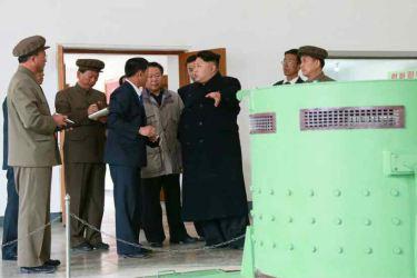 150420 - RS - KIM JONG UN - Marschall KIM JONG UN leitete die Bauarbeiten des Songun-Jugend-Kraftwerkes Paektusan - 05 - 경애하는 김정은동지께서 백두산선군청년발전소건설장을 현지지도하시였다