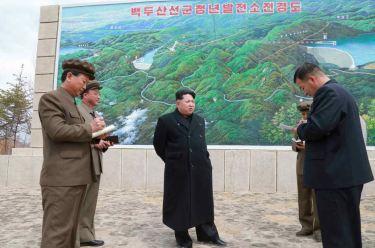 150420 - RS - KIM JONG UN - Marschall KIM JONG UN leitete die Bauarbeiten des Songun-Jugend-Kraftwerkes Paektusan - 10 - 경애하는 김정은동지께서 백두산선군청년발전소건설장을 현지지도하시였다