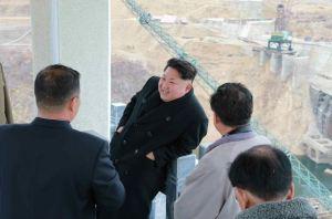 150420 - RS - KIM JONG UN - Marschall KIM JONG UN leitete die Bauarbeiten des Songun-Jugend-Kraftwerkes Paektusan - 11 - 경애하는 김정은동지께서 백두산선군청년발전소건설장을 현지지도하시였다