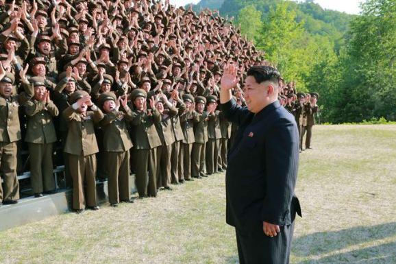 150524 - SK - KIM JONG UN - Marschall KIM JONG UN inspizierte den Kommandostab des Großen 264. Truppenverbandes der KVA - 02 - 조선인민군 최고사령관 김정은동지께서 조선인민군 제264대련합부대 지휘부를 시찰하시였다