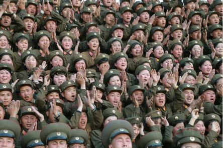 150524 - SK - KIM JONG UN - Marschall KIM JONG UN inspizierte den Kommandostab des Großen 264. Truppenverbandes der KVA - 03 - 조선인민군 최고사령관 김정은동지께서 조선인민군 제264대련합부대 지휘부를 시찰하시였다