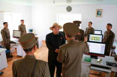 150601 - RS -  KIM JONG UN - Marschall KIM JONG UN besichtigte den Landwirtschaftsbetrieb Nr. 1116 der 810. Truppe der KVA - 15 -경애하는 김정은동지께서 조선인민군 제810군부대산하 1116호농장을 현지지도하시였다