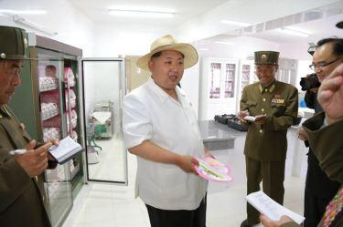 150602 - SK - KIM JONG UN - Genosse KIM JONG UN besuchte die Kinderkrippe und den Kindergarten für Waisen Wonsan vor deren Einweihung - 10 - 경애하는 김정은동지께서 준공식을 앞둔 원산육아원, 애육원을 현지지도하시였다