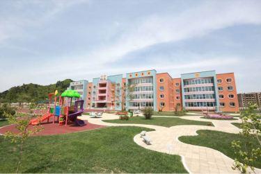 150602 - SK - KIM JONG UN - Genosse KIM JONG UN besuchte die Kinderkrippe und den Kindergarten für Waisen Wonsan vor deren Einweihung - 16 - 경애하는 김정은동지께서 준공식을 앞둔 원산육아원, 애육원을 현지지도하시였다