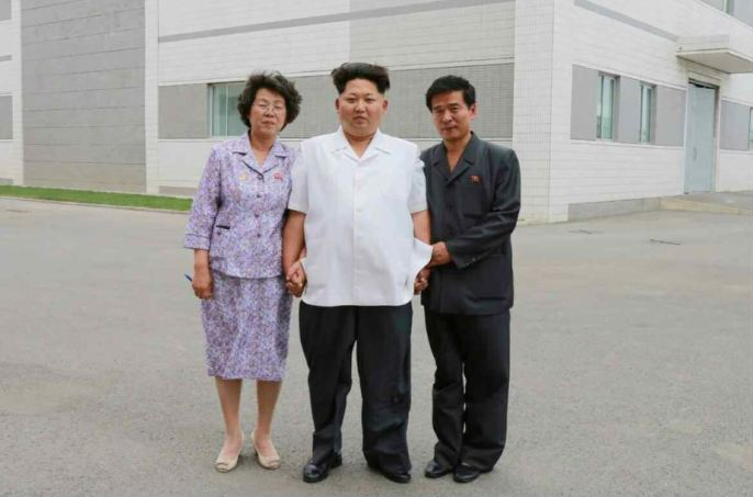 150606 - RS - KIM JONG UN - Marschall KIM JONG UN besichtigte das Institut für Biotechnik Pyongyang - 14 - 경애하는 김정은동지께서 조선인민군 제810군부대산하 평양생물기술연구원을 현지지도하시였다