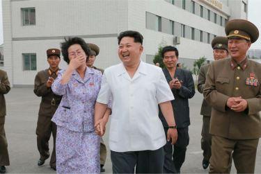150606 - SK - KIM JONG UN - Marschall KIM JONG UN besichtigte das Institut für Biotechnik Pyongyang - 15 - 경애하는 김정은동지께서 조선인민군 제810군부대산하 평양생물기술연구원을 현지지도하시였다