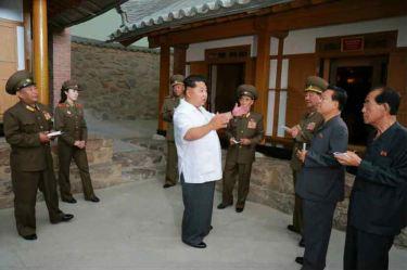 150609 - RS - KIM JONG UN - Marschall KIM JONG UN besuchte die Historische Gedenkstätte über den Vaterländischen Befreiungskrieg - 02 - 경애하는 김정은동지께서 조국해방전쟁사적지를 현지지도하시였다