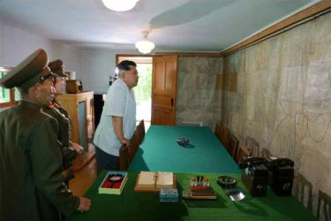 150609 - RS - KIM JONG UN - Marschall KIM JONG UN besuchte die Historische Gedenkstätte über den Vaterländischen Befreiungskrieg - 06 - 경애하는 김정은동지께서 조국해방전쟁사적지를 현지지도하시였다