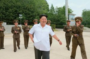 150613 - RS - KIM JONG UN - Marschall KIM JONG UN inspizierte die Flakartillerieoffizierschule - 01 - 조선인민군 최고사령관 김정은동지께서 고사포병군관학교를 시찰하시였다
