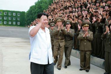 150613 - SK - KIM JONG UN - Marschall KIM JONG UN inspizierte die Flakartillerieoffizierschule - 04 - 조선인민군 최고사령관 김정은동지께서 고사포병군관학교를 시찰하시였다