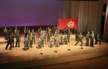 150615 - SK - KIM JONG UN - Genosse KIM JONG UN sah sich die Aufführungen der Angehörigen der Koreanischen Volksarmee an - 07 - 경애하는 최고사령관 김정은동지께서 조선인민군 제2차 군단예술선전대경연에 당선된 예술선전대들의 공연을 관람하시였다