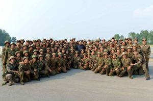 150618 - RS - KIM JONG UN - Marschall KIM JONG UN sah sich einen Schießwettbewerb der Flakartilleristen an - 08 - 조선인민군 최고사령관 김정은동지께서 고사포병사격경기를 보시였다