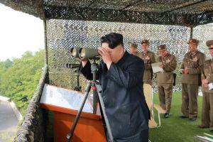 150618 - SK - KIM JONG UN - Marschall KIM JONG UN sah sich einen Schießwettbewerb der Flakartilleristen an - 04 - 조선인민군 최고사령관 김정은동지께서 고사포병사격경기를 보시였다
