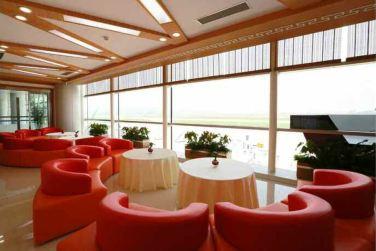 150625 - RS - KIM JONG UN - Marschall KIM JONG UN besichtigte den fertiggestellten Terminal des Internationalen Flughafens Pyongyang - 21 - 경애하는 김정은동지께서 완공된 평양국제비행장 항공역사를 현지지도하시였다