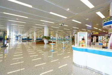 150625 - RS - KIM JONG UN - Marschall KIM JONG UN besichtigte den fertiggestellten Terminal des Internationalen Flughafens Pyongyang - 31 - 경애하는 김정은동지께서 완공된 평양국제비행장 항공역사를 현지지도하시였다