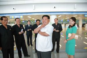 150625 - SK - KIM JONG UN - Marschall KIM JONG UN besichtigte den fertiggestellten Terminal des Internationalen Flughafens Pyongyang - 04 - 경애하는 김정은동지께서 완공된 평양국제비행장 항공역사를 현지지도하시였다