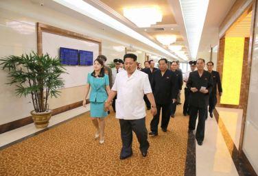 150625 - SK - KIM JONG UN - Marschall KIM JONG UN besichtigte den fertiggestellten Terminal des Internationalen Flughafens Pyongyang - 25 - 경애하는 김정은동지께서 완공된 평양국제비행장 항공역사를 현지지도하시였다