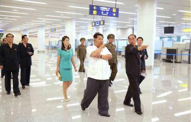 150625 - SK - KIM JONG UN - Marschall KIM JONG UN besichtigte den fertiggestellten Terminal des Internationalen Flughafens Pyongyang - 26 - 경애하는 김정은동지께서 완공된 평양국제비행장 항공역사를 현지지도하시였다