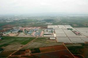 150630 - RS - KIM JONG UN - Genosse KIM JONG UN besuchte den Genossenschaftlichen Landwirtschaftsbetrieb Jangchon für Gemüsebau - 19 - 경애하는 김정은동지께서 사회주의농촌문화건설의 본보기, 기준으로 천지개벽된 평양시 사동구역 장천남새전문협동농장을 현지지도하시였다