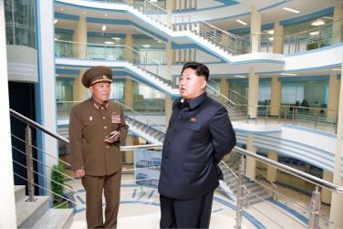 150703 - SK - KIM JONG UN - Marschall KIM JONG UN besichtigte das neu gebaute Institut für Automatisierung an der TU 'Kim Chaek' - 07 - 경애하는 김정은동지께서 새로 건설한 김책공업종합대학 자동화연구소를 현지지도하시였다