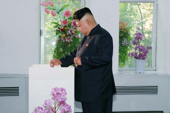 150720 - SK - KIM JONG UN - Genosse KIM JONG UN nahm an den Kommunalwahlen teil - 02 - 경애하는 김정은동지께서 도, 시, 군인민회의 대의원선거에 참가하시였다