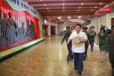 150723 - SK - KIM JONG UN - Marschall KIM JONG UN besuchte das neu gebaute Museum Sinchon - 06 - 경애하는 김정은동지께서 새로 건설한 신천박물관을 현지지도하시였다