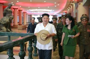 150723 - SK - KIM JONG UN - Marschall KIM JONG UN besuchte das neu gebaute Museum Sinchon - 09 - 경애하는 김정은동지께서 새로 건설한 신천박물관을 현지지도하시였다