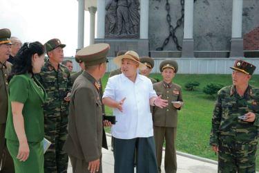 150723 - SK - KIM JONG UN - Marschall KIM JONG UN besuchte das neu gebaute Museum Sinchon - 10 - 경애하는 김정은동지께서 새로 건설한 신천박물관을 현지지도하시였다
