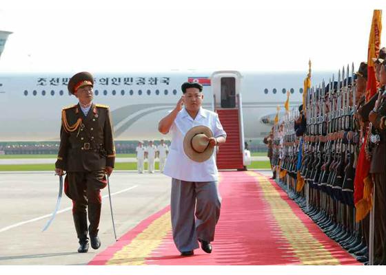 150730 - RS - KIM JONG UN - 04 - 경애하는 김정은동지께서 위대한 조국해방전쟁승리 62돐을 맞으며 진행된 《조선인민군 항공 및 반항공군 비행지휘성원들의 전투비행술경기대회-2015》를 지도하시였다