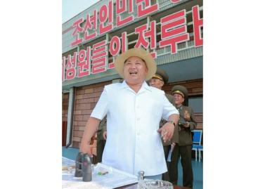 150730 - RS - KIM JONG UN - 12 - 경애하는 김정은동지께서 위대한 조국해방전쟁승리 62돐을 맞으며 진행된 《조선인민군 항공 및 반항공군 비행지휘성원들의 전투비행술경기대회-2015》를 지도하시였다