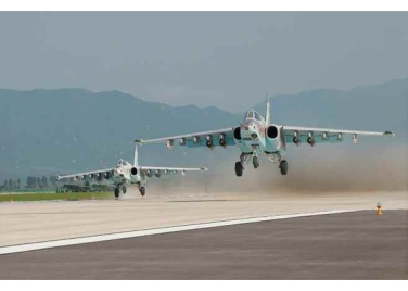 150730 - RS - KIM JONG UN - 14 - 경애하는 김정은동지께서 위대한 조국해방전쟁승리 62돐을 맞으며 진행된 《조선인민군 항공 및 반항공군 비행지휘성원들의 전투비행술경기대회-2015》를 지도하시였다